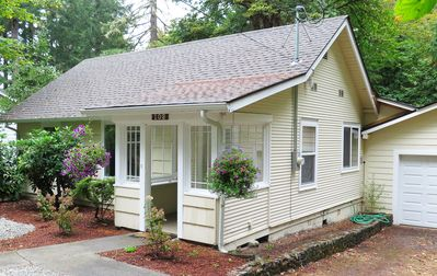 Quiet Location on Greenbelt 1 Mile from City Center  - Newly Remodeled - Parking