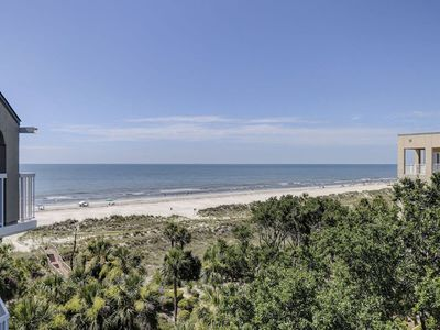 Top Floor With Large Balcony and Panoramic Ocean Views!