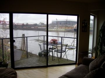 Waterfront Panoramic Views Downtown PDX 2bd 2BA Sleeps 5!