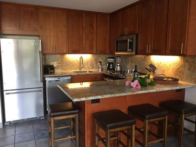 Newly Renovated Kitchen, Granite Counter tops, Fully Stocked