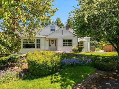 Photo for Classic Seattle Charm, 6 bedrooms with Private Beach Access! In historic Ballard! 10% OFF
