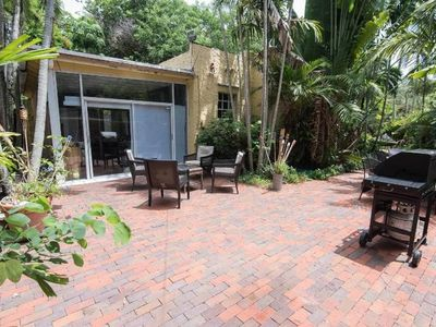 Photo for 😎SPECIAL🌞🏡JUL-AUG $2,700/mo🏡Townhome👍top location-garden+terrace-🐕pet ok