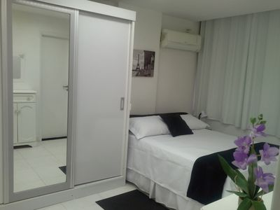 Photo for Charming apt faces the Av. NS Copacabana! Close to the sea!