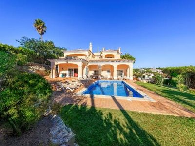 Photo for 5 bedroom Villa, sleeps 10 in Vale do Lobo with Pool, Air Con and WiFi