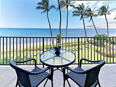 Lanai - Sweeping ocean views - perfect for taking in Maui's unforgettable sunsets