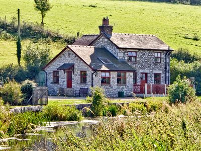 Photo for WHARF COTTAGE, pet friendly in Burton-In-Kendal, Ref 2200