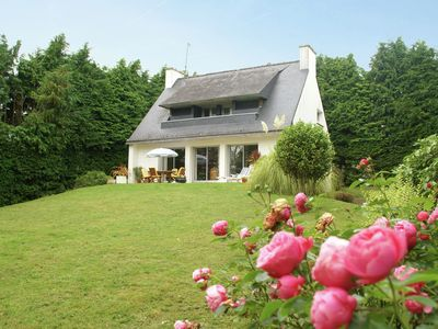 Photo for Lush, enclosed, detached holiday home with garden at the tip of Brittany