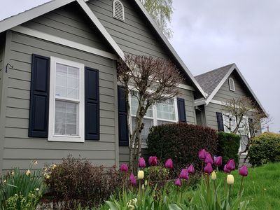 Charming 3 bed, 2 bath SW Portland home in the heart of quaint Multnomah Village