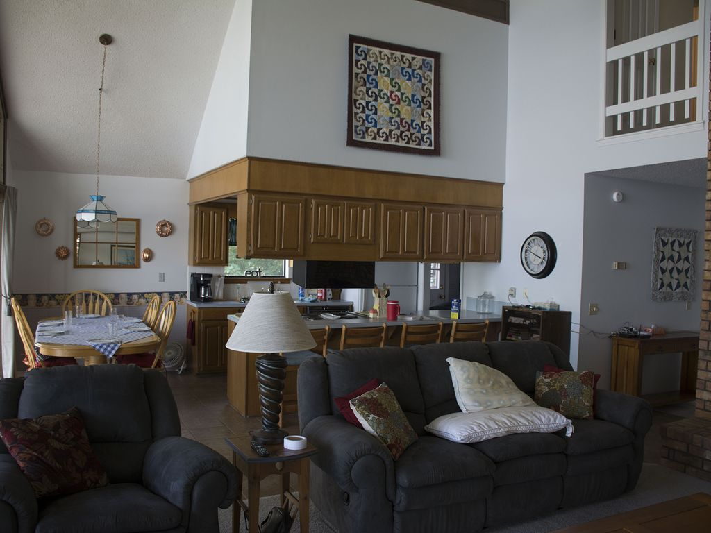Beautiful Five Bedroom Home with a