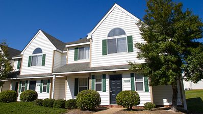 Photo for The Historic Powhatan Resort - 2 Bedroom Upstairs