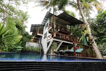 Photo for Tree Tops Villa - Near Tanah Lot