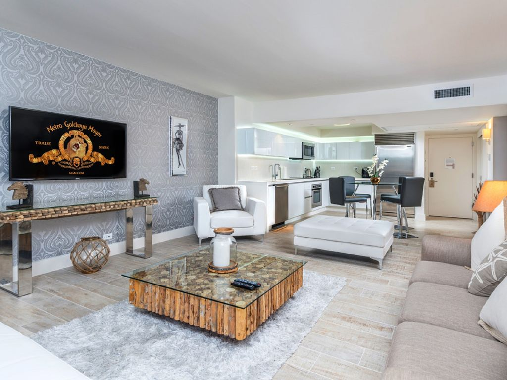 Living Room Furniture For By Owner Stunning 51br Oceanfront Hotel Owner Homeaway Mid Beach