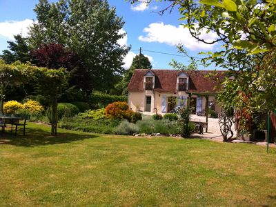 Photo for Charming rural cottage with large garden 10 minutes from Zoo Beauval