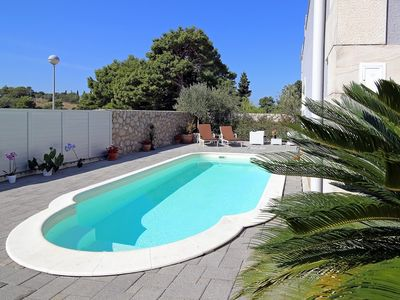 Photo for In Dubrovnik with Internet, Pool, Air conditioning, Parking (747109)
