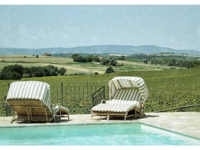 Photo for 2 bedroom Umbrian apartment & pool