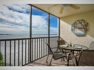 Photo for Beachfront Condo with amazing view of Gulf