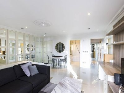 Photo for Enjoy This Stunning London South Kensington 1 Bedroom Apartment (2 Guests)