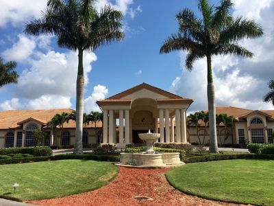 Photo for Luxury Condo In Golf Course Community.  Minutes from downtown Naples  and beach