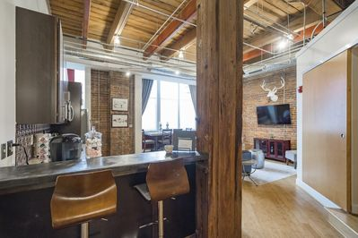 Spacious and airy loft in the heart of downtown!