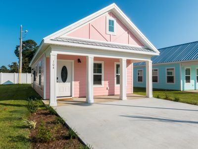 Photo for Snowbirds welcome!!! Stunning 2 bedroom 2 bath cottage!