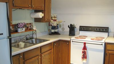 Kitchen - fully equipped.