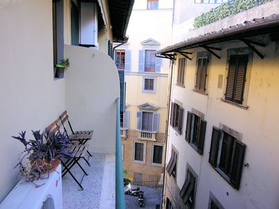 Photo for Canneto apartment in Oltrarno with WiFi, air conditioning, balcony & lift.