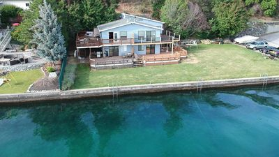 A bird's eye view of this amazing waterfront condo on low-bank Lake Chelan