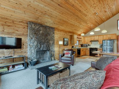 Photo for Relaxing dog-friendly home w/shared pool & hot tub, plus other resort amenities!