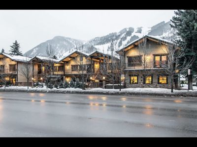 Photo for Aspen 1BR Condo prime location
