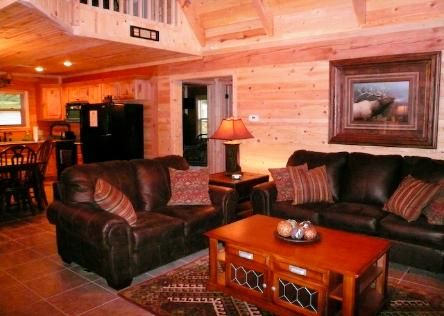 Cross Timber Lodge- 3 bedroom & loft and game tables - Best Views in entire area!  Hot Tub and Grill
