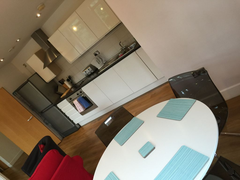 Piccadilly Pad Manchester - Secure free parking and Wifi
