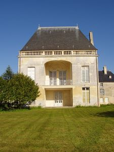 Photo for Apartment in wing of Chateau with park, between Caen and the sea