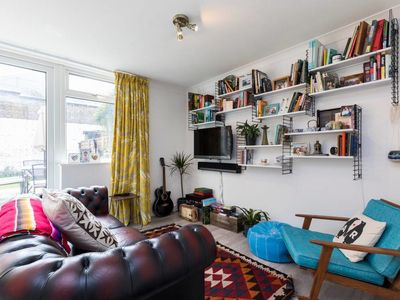 Photo for Renovated 2 bed with big terrace in Shoreditch
