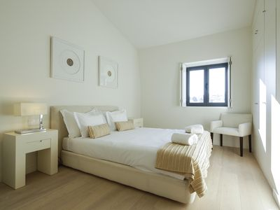 Photo for Deluxe Three-Bedroom Apartment