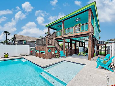 Photo for New Listing! Updated Downtown Home: Private Pool & Covered Deck - Near Beach