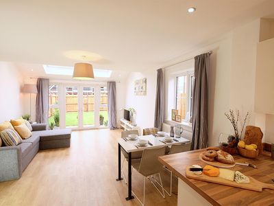 Photo for Cozy entire home with 2 bedroom in Leeds