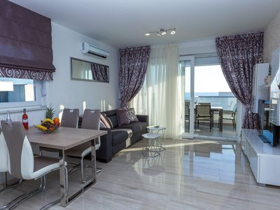 Photo for Luxury One-Bedroom Apartment withTerrace and Sea-View