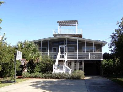 Live the Dream in this Pet Friendly Home, Close to Beach!