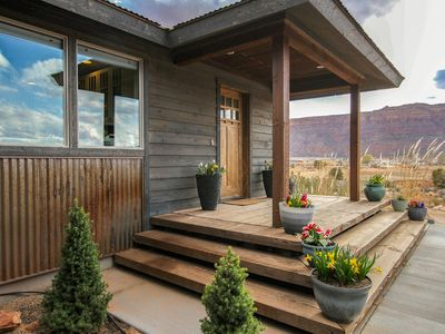 Photo for Luxurious house with gorgeous mountain views, perfect for big groups!