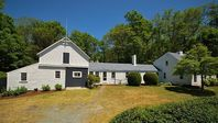 Great location near Orleans town Center and our two favorite Cape beaches - Skaket and Nauset.