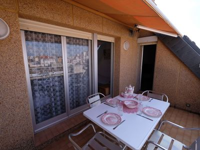 Photo for Nice apartment for 6 guests with A/C, WIFI, TV, pets allowed and parking