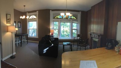 Photo for Charming 2 Bedroom In Lincoln Park