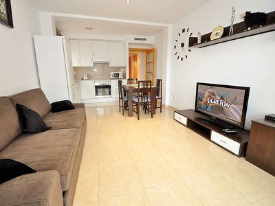 Photo for Apartment Roman located at 250m from the beach, air conditioning, parking