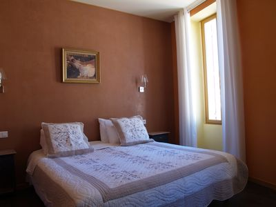 Photo for Holiday rentals 2-3 people at the foot of Mont Ventoux, swimming pool, spa, garden