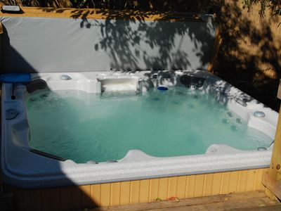 Photo for FIRE ISLAND Ocean Beach / Seaview HOT TUB, AC, carefree stay, walk to BEACH/TOWN