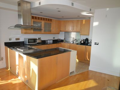 Photo for 2 Bedroom, 2 Bathroom Flat Close to Station, Shops and Restaurants In London