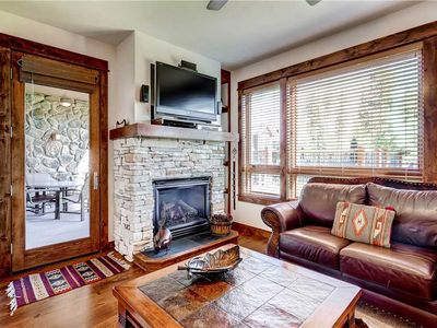 Photo for Luxury ski-in/ski-out condo with outdoor pool & ht, fitness center, parking!