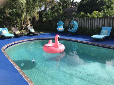 Photo for Spacious home with private pool minutes to Beach