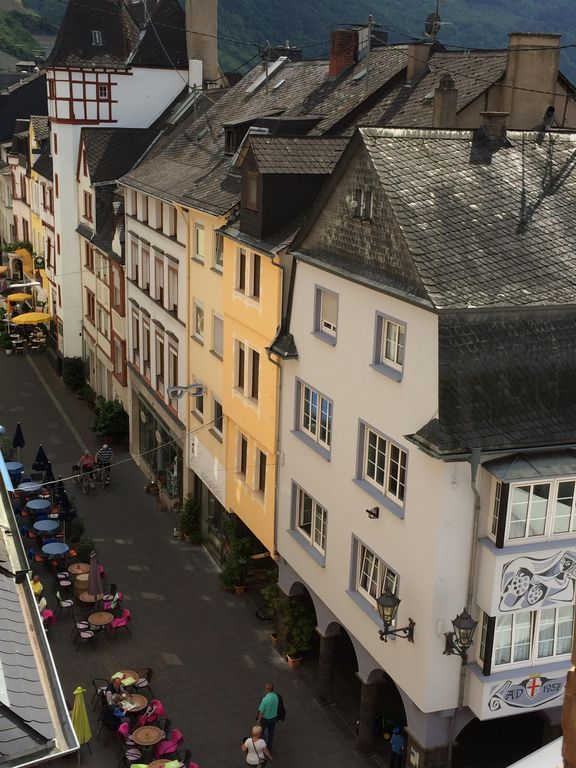 GE530: Jewel of the Mosel, Townhouse in centre of Zell, with ...