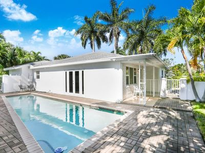 Photo for Beautiful Mid Century Modern Gem with Pool and Roof Patio